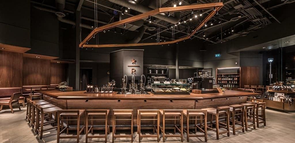 Ein Starbucks von Innen zum Wohlfühlen